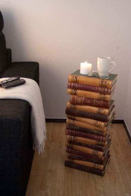 Τραπεζάκι ή καρεκλάκι από παλιά βιβλία ή περιοδικά DIY